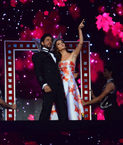 Shah Rukh Khan who hosted the show also performed with Alia Bhatt.